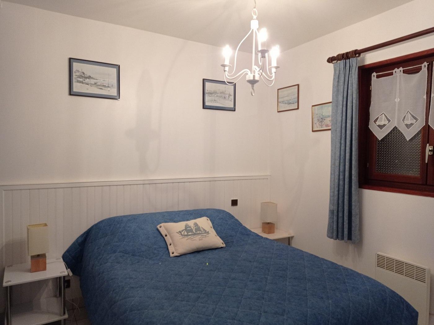 Chambre du studio / Lit double 140 x 190